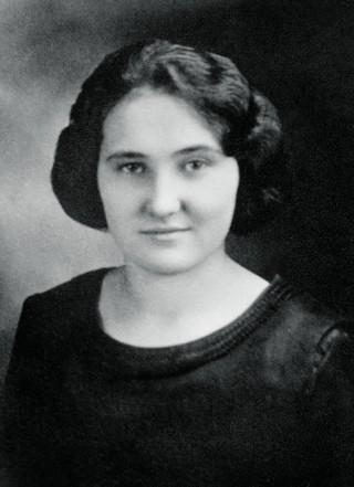 1922_Janet_Tanis_Hope_Prep