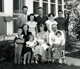 Elizabeth Lizzie Tanis Karsten and Family