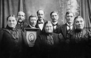Hubert Tanis with siblings, Mattie (Maatje)Tanis Broersma, Hubert Tanis, Nellie Tanis (the photo), Evert Tanis, Dirk Tanis, Mary Tanis Boer, Will Tanis, Paul Tanis, Annetta Tanis Ter Haar